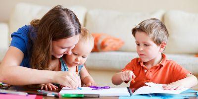¿Pueden los hijos pernoctar con un progenitor que comparte vivienda o que tiene alquilada una habitación?